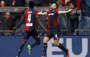 Simeone celebra uno de sus goles a la Juve.