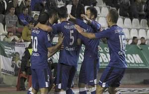 Los jugadores del Getafe celebran uno de sus tres goles en El...