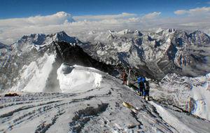 Imagen tomada desde la cima del Everest en abril de 2013.