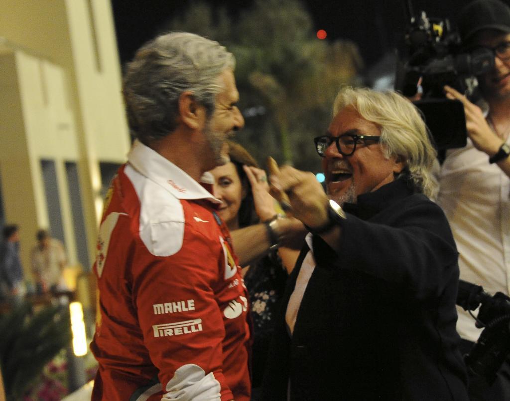 Keke Rosberg saluda a Maurizio Arrivabene en Abu Dabi.