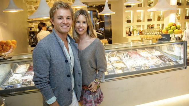 Rosberg y su mujer, Vivian Sibold, en la heladería Vivi's Creamery...