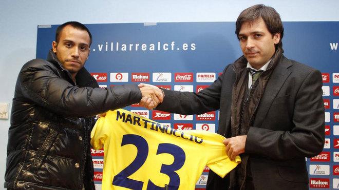 Martinuccio con Fernando Roig el día de su presentación en el...