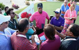 Tiger Woods atiende a los medios en Albany, sede del Hero World...