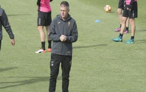 Lucas Alcaraz en un entrenamiento del Granada