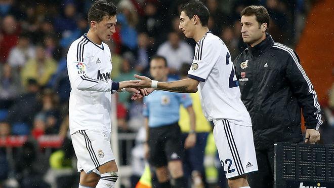 özil y Di María, en un partido con el Real Madrid.