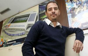 Jordi Larín posa en su despacho de la Ciudad Deportiva.