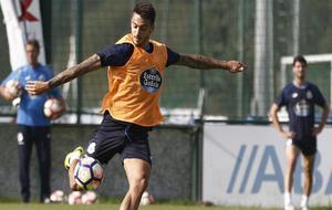 Joselu en un entrenamiento del Deportivo.