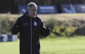 Paco Herrera, durante un entrenamiento reciente del Real Valladolid