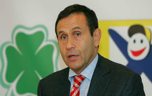 Tamás Gyarfas, el dimisionario presidente de la Federación Húngara...