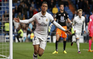 Mariano celebra el 1-0, marcado a los 23'' ante la Cultural