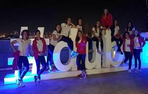 Las doce jugadoras de la selección posando en Dubai