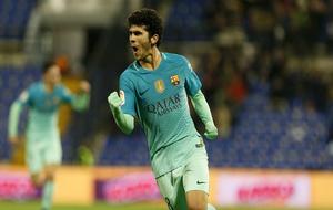 Aleñá celebra el gol en el Rico Pérez.