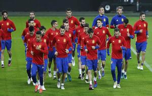 La Roja en el entrenamiento previo al partido amistodo ante Inglaterra...