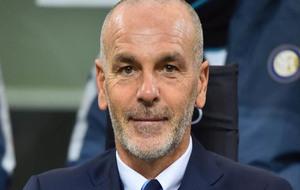 Stefano Pioli durante el partido de liga contra el AC Milán