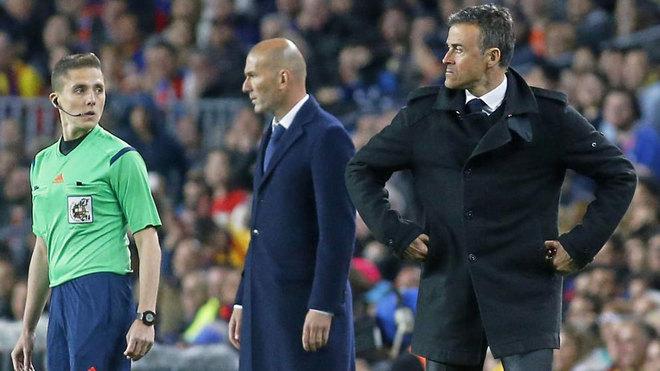 Luis Enrique y Zidane, durante el último Clásico en el Camp Nou