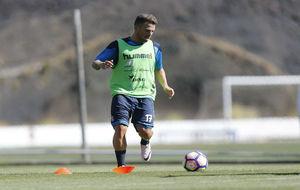 Aarón Ñíguez (27) en un entrenamiento.