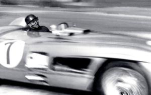 Juan Manuel Fangio en acción.