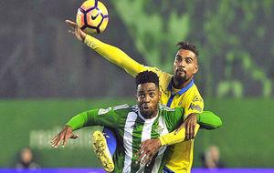 Donk y Boateng, en el último Betis-Las Palmas.