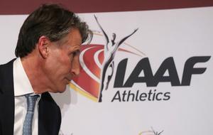 Sebastian Coe durante el consejo de la IAAF