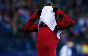 Griezmann desolado tras estrellar al palo su ocasión mas clara