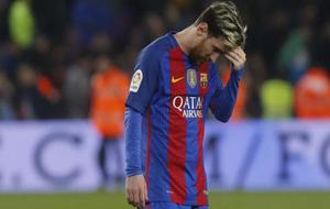 Messi cabizbajo tras el empate
