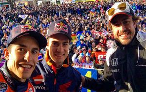 Márquez, Alonso y Pedrosa en un acto con fans japoneses