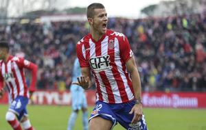 Longo celebrando el primer gol del partido contra el Levante