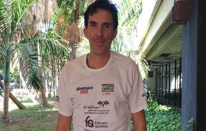 Luis Pasamontes, antes de la salida de la II Titan Tropic.