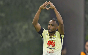 Wiliam da Silva celebrando su gol