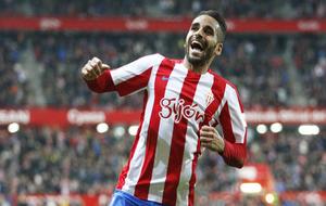Douglas en el partido frente al Osasuna.