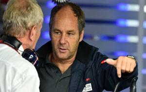 Gerhard Berger hablando con Helmut Marko