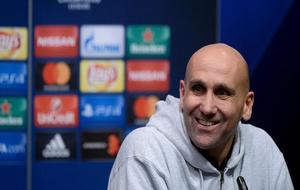 El técnico del club alemán durante una rueda de prensa.
