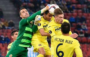 Los jugadores del Villarreal en un encuentro de Europa League de esta...