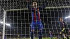 Piqué, serio tras recibir el gol del empate de Ramos en el Clásico