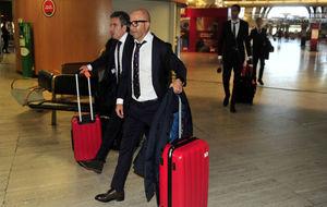 Sampaoli y Juanma Lillo, en el aeropuerto.