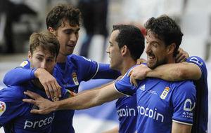 Los jugadores del Oviedo celebran el gol anotado el pasado domingo...