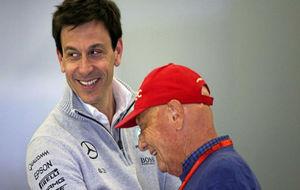 Toto Wolff y Niki Lauda, máximos responsables de la escudería...