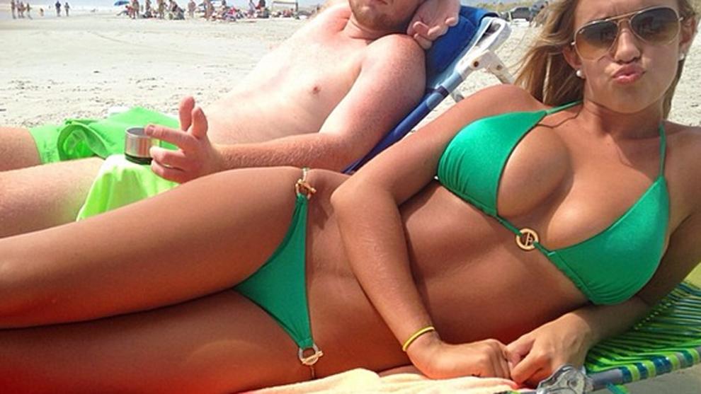 Kayla Simmons es considerada la Deportista Universitaria más sexy de...