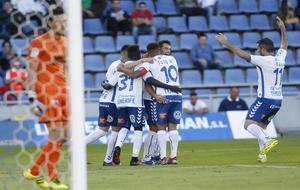Los jugadores del Tenerife celebran un gol en la presente temporada.
