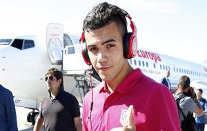 El jugador en su llegada a Eindhoven el pasado Septiembre con el...