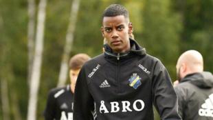 Ysak, en un entrenamiento con el AIK Solna.