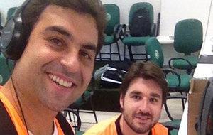 Fernando Brum Mattos, junto a Renan Agnolin, a la derecha, muerto en...