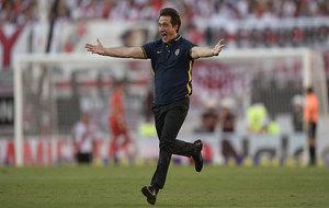 Barros Schelotto celebra el cuarto gol de Boca ante River.