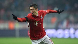 Lewandowski en un partido con su club, el Bayern.