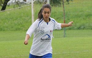 Sheila Sánchez durante un partido con el FFC Fairvesta Vorderland.