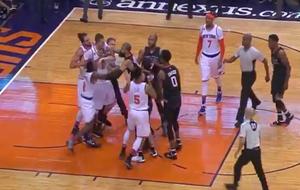 Rifirrafe de Porzingis (Knicks) con los jugadores de los Suns