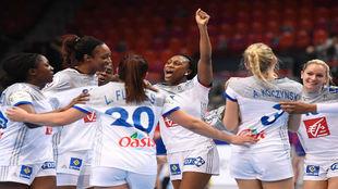 Las jugadoras de la selección francesa celebran su clasificación