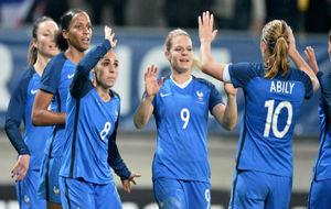 Las jugadoras de la selección francesa durante un amistoso ante...