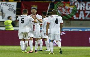 Los jugadores de la Cultural Leonesa durante el partido de Copa del...
