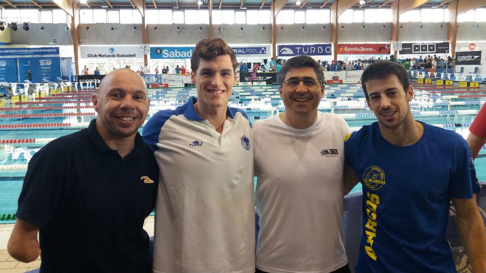Marc Sánchez, con su nuevo equipo de preparadores, Xavi Torres,...